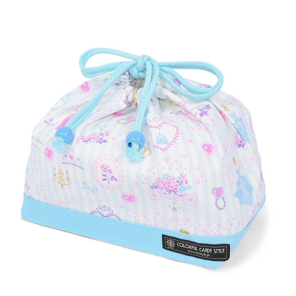 巾着 中 マチ有りお弁当袋(ネームタグ付き) プリンセスドレスで彩るパウダールーム(ストライプ) × オックス・水色_1